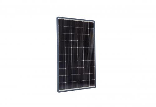 Panneau solaire (packshot e-commerce)